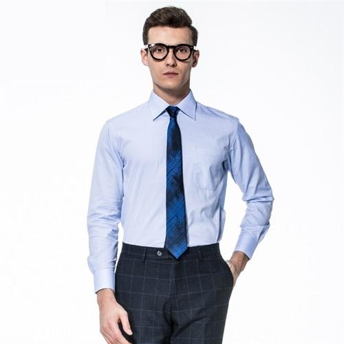 企业可以选什么样的衣服作为企业工作服?
