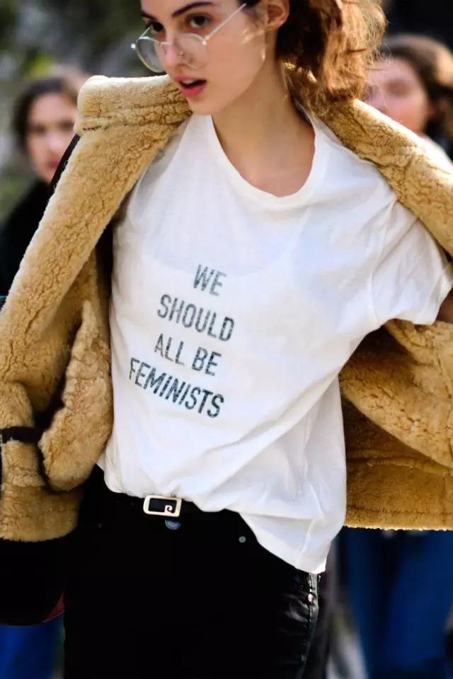 女明星都爱不释手的定制T恤文化衫是怎样的?