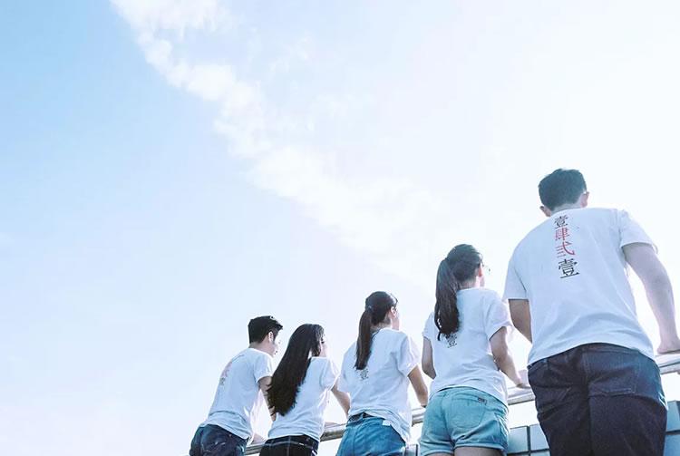 毕业定制文化衫,用创意描绘大学青春
