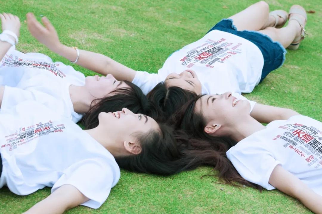 T恤广告衫定制,放心梦想,班服助你青春起航!!